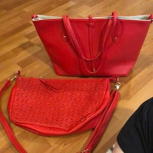 Tote with detachable crossbody